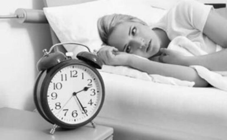 女性失眠睡不着觉怎么办?美容院专业线品牌独生美告诉你几个简单有效的方法让你睡好觉!