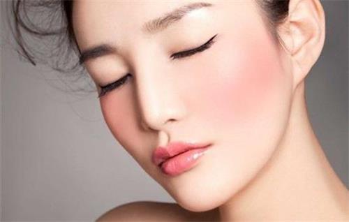 脸上红血丝如何修复?红血丝皮肤用什么牌子护肤品好?
