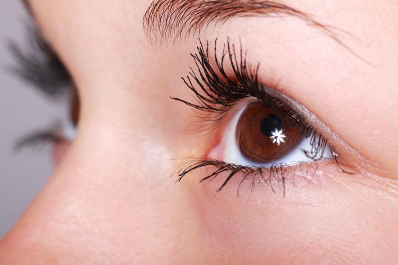 谁说眼霜越贵越好?美容院专业线品牌独生美告诉你眼霜的正确使用方法?