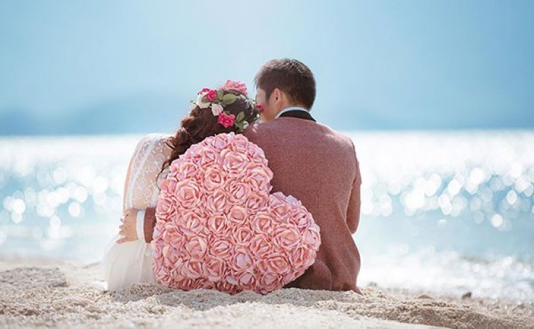 七夕情人节快到了 情人节礼物应该送什么好?独生美情感人生