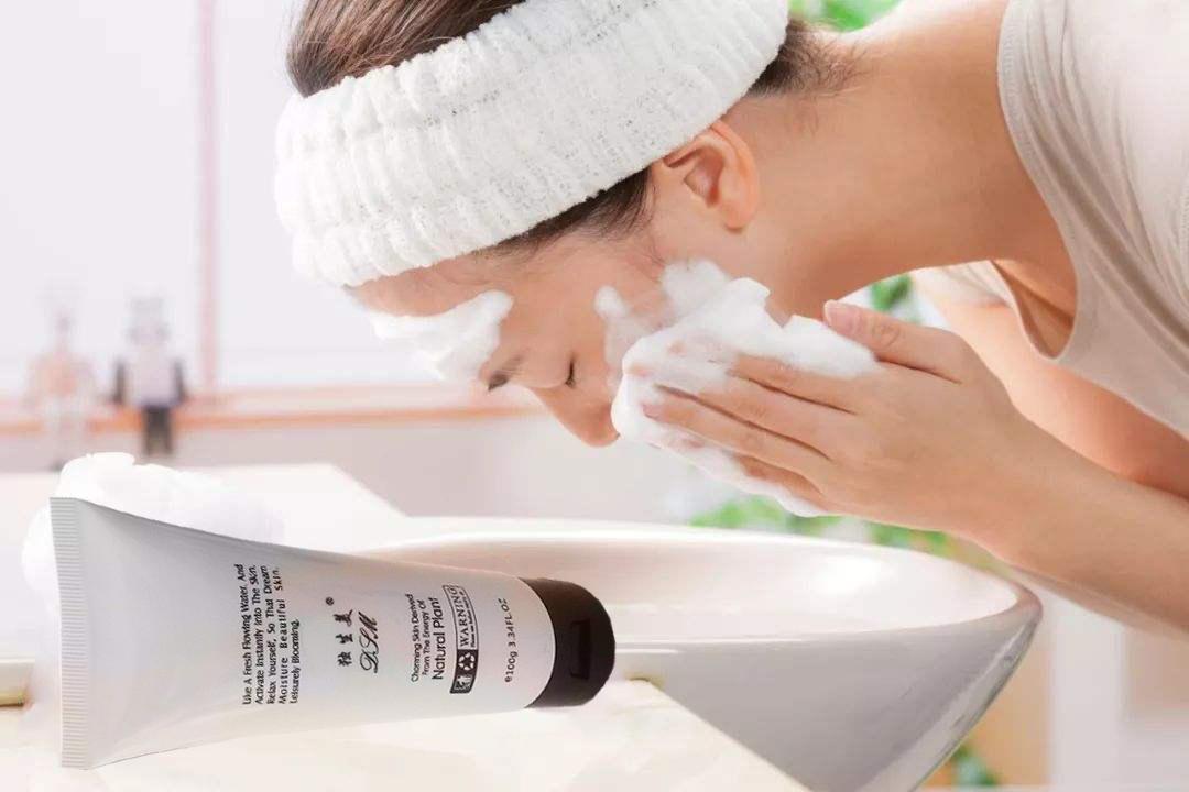 """你不得不知的洗脸""""三不该""""与""""六步骤!独生美与你分享美容护肤小窍门 赶紧收藏吧!"""