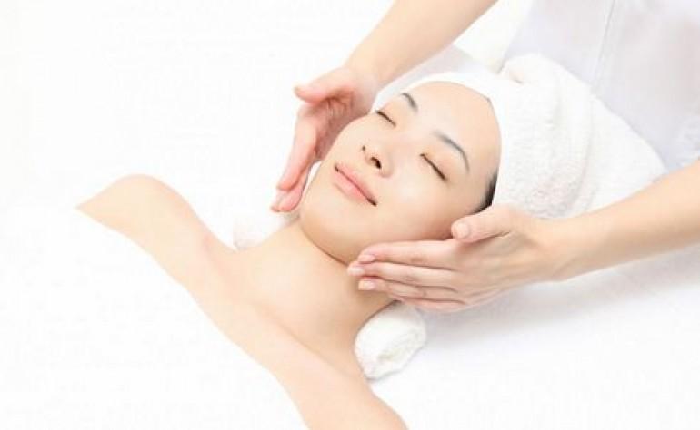 皮肤过敏脱皮发红怎么办?记住这几招轻松缓解过敏肌!美容护肤独生美官网!